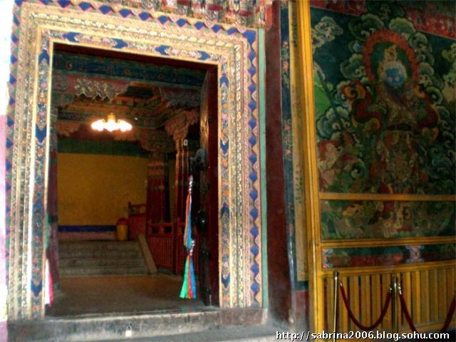 ...布达拉宫殿了,也是严禁拍照了.里面的壁画非常精美,需要时间...