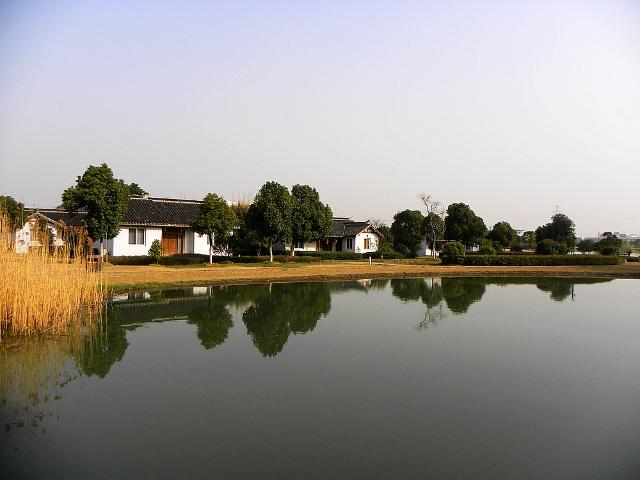 区胡埭镇下属的十八湾旅游发展有限公司投资2000万元