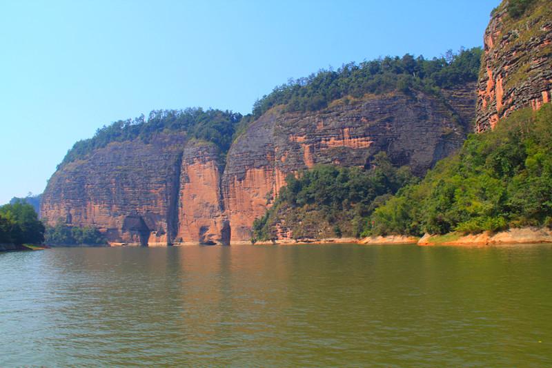 山水交融形成的水上一线天,水上二线天,水上大赤壁,情侣峰,猫儿山