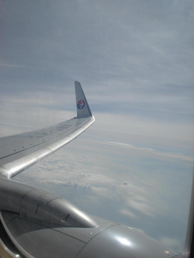 飞机上的镜头剪影