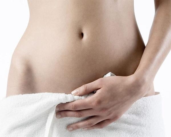 如果肚脐很深 能够将手指的一截完全被肚脐所包容